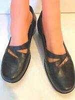 Clarks Artisan Women 9 M Leather Heels Slip On Comfort Pumps Shoes Black Cut Out