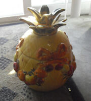 Rare Vintage 1965 Los Angeles Pottery Yellow Pineapple Fruit Cookie Jar