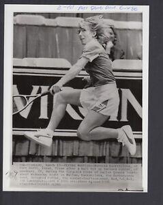 Martina Navratilova 1986 Virginia Slims  7x9 Glossy AP Photo