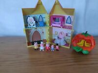 Peppa Pig Princess Castle Plus Pumpkin Carriage & 5 Figures