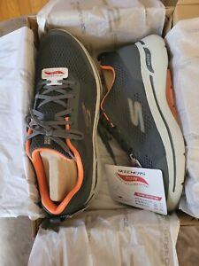 SKECHERS Mens Size 13 Arch Fit