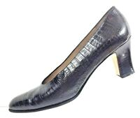 SALVATORE FERRAGAMO Women's Black Croc Print Leather Heels Pumps Shoe Size 8 AA