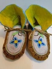 NEW, NATIVE AMERICAN FULLY BEADED MOCCASINS 9.5 INCHES, unisex, FLOWER DESIGN