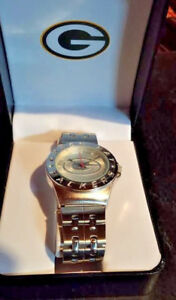 GREEN BAY PACKERS Mens Watch Gametime Stainless Steel Back Quartz Logo Gift Box