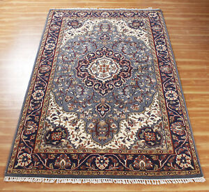 Hand Knotted Wool Carpet Blue Ivory 'Halasthe' Handmade Oriental Area Rug 5x8ft