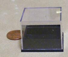 Escala 1:12 Pequeño Caja de plástico con una base desmontable Negro Accesorio de casa de muñecas