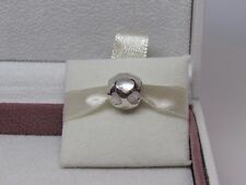 New w/BOX Pandora Love Me Mother of Pearl Hearts Charm 790398MPW Genuine & Rare