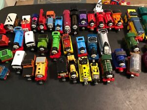 Lot Of Thomas Train Gullane Die Cast Metal Magnetic 2002-05 Learning Curve R4