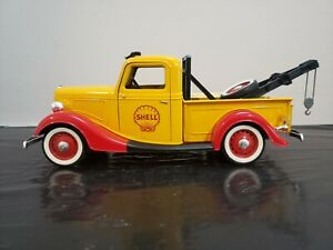 SOLIDO 1936 Yellow Ford V8 Pickup Shell Gasoline Tow Truck 1:19 Scale France