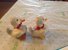 Homco duck figurine with red bow #1414