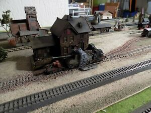 ROCO, WWII MILITARY WAGON WITH ONE GERMAN TANK LOADED, SCALE HO