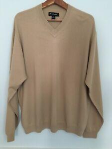 John W Nordstrom fine gauge cashmere V-neck sweater in light camel size XL
