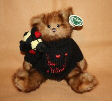 Bearington Bears Bee Mine 2012 Valentine Bear with Bee RET