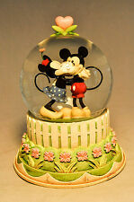 Wonders Within: A Kiss For Mickey - Water Globe - Mickey & Minnie