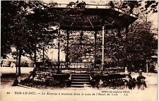 CPA Bar-le-Duc - Le Kiosque a musiaue dans le parc de l'Hotel de Ville (254890)