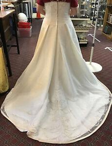 Sz 18W 9L8555 Davids Bridal Wedding Dress Ivory Princess A-Line Style