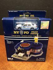 Daron Toys 1/64 NYPD Police Station Dela0824