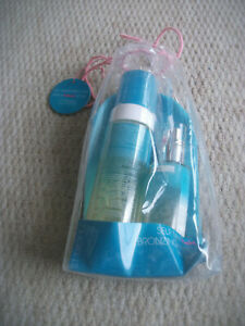 BRAND NEW - ST TROPEZ - GIFT SET - BRONZING WATERS FACE AND BODY SET