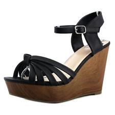 Sandalias y chanclas de mujer Fergalicious color principal negro sintético