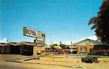 Grand Junction Colorado pool and entrance Royal Inn motel vintage pc Y13341