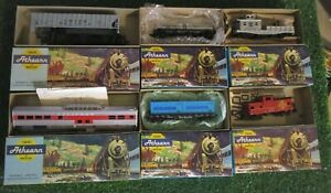 Lot Of 6 ATHEARN HO Train Cars in Boxes - L@@K! UP,RG,SP, 3SF- NO DOUBLES