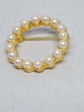 Lovely Vintage Circle Pin Faux Pearls Gold tone