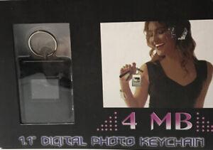 "DIGITAL PHOTO  KEY CHAIN 1.1"" 4 MB BRAND NEW"