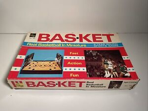 Vintage NBA Bas-Ket Board Game Basketball Cadaco #165