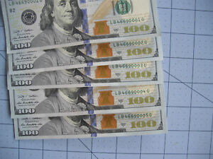 (5) 2009 $100 Bills Low Consecutive #'s LB46690001G, 2, 3, 4, 5 Uncirculated