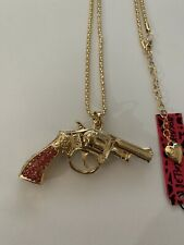Betsey Johnson PINK RHINESTONE Revolver Pistol Gun Sweater GOLD Necklace-BJ87131