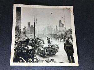 Orig. Foto Zerstörung Vormarsch Troyes Frankreich nach Stukas BMW Krad TOP