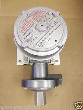 New United Electric Controls Pressure Switch 95025 552 15 Amp 480V