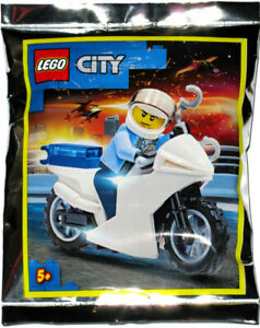LEGO POLICEMAN and MOTORCYCLE MINIFIG FOIL PACK SET 952001 minifigure police cop