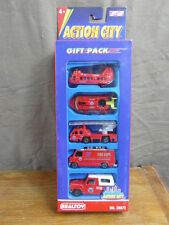 (S3) REALTOY ACTION CITY / BOXED COFFRET x 5 CARS VOITURES 1/55e genre MAJORETTE