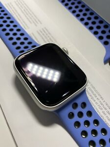 Apple Watch Series 5 Nike 44mm Silver Aluminum Case GPS + Cellular Blue Band