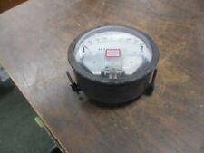 Magnehelic Pressure Gauge 2202-LT Range: 0 - 2.0PSI Used