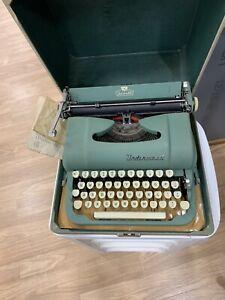 Vintage Underwood Typewriter Jewell Green With Case Speeds The World's Business