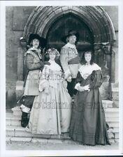 1986 J Glover L Aston T Bentinck S Mughan BBC TV By Sword Divided Press Photo