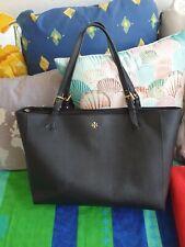 Schwarze Große Handtasche Von Tory Burch Shopper goldenes Logo