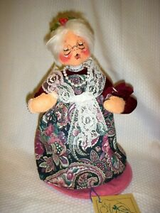 """Annalee Mobilitee Dolls #6815 Mrs. Claus Approx. 9"""" tall"""