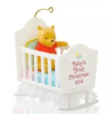 HALLMARK 2014 ORNAMENT BABY'S FIRST CHRISTMAS WINNIE THE POOH g