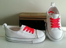 NEW Baby Girl CONVERSE sneakers shoes, Size 8 INFANTS = 8c (15 cm), Color White