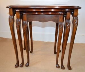 SUITE OF VINTAGE QUEEN ANNE MAHOGANY NEST OF TABLES LOVELY TOPS
