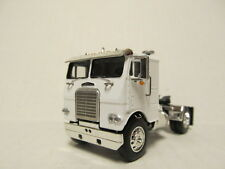 DCP 1/64 SCALE WHITE FREIGHTLINER CABOVER WHITE WITH BLACK FRAME (SINGLE AXLE)