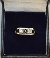 9CT YELLOW GOLD DIAMOND & SAPPHIRE RING