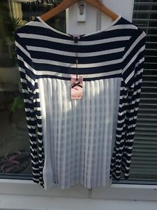 BNWT PHASE EIGHT SIZE 8 GORGEOUS BLUE & WHITE STRIPE TOP WITH WHITE PLEATED BACK