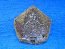 CANADIAN WWI 19TH LINCOLN REGIMENT BRONZE CAP BADGE + KHAKI BACKING, J.R. GAUNT