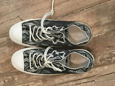 NWOB Low Top Converse Women's Size 8 reptile print shoes sneakers