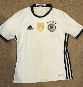 ADIDAS BOYS WHITE SHORT SLEEVE SHIRT SIZE LARGE FIFA WORLD CHAMPIONS 2014