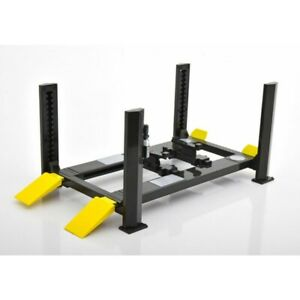 Pont Four Post Lift Adjustable Black yellow 1/18 - 13591 GREENLIGHT